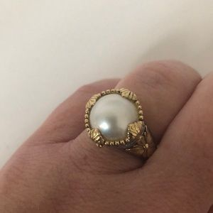 Classic Konstantino pearl ring